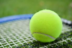Cours de tennis et de badminton au Foyer Rural de Seugy